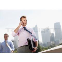 LUMIE® BRIGHT SPARK: Pratique au bureau